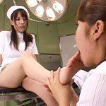 【調教レズ動画】高学歴で幼い頃からぬくぬくと育った美人女医を真性ドMと見抜いたナースが足舐め強要ww