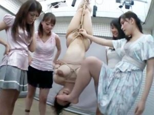 【SMレズ動画】新人を注意したアパレル店員の先輩…逆鱗に触れたバイト達が組んで縄で吊し上げww