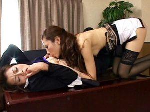【貝合わせレズ動画】女社長を弄ぶ美人秘書…顔がキツめの女社長も秘書の前だけ女の顔になる件ww