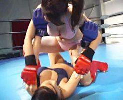 【キャットファイト動画】顔面連打、絞め技なんでもあり…Gカップ最強女子を決めるためにリングで殴り合いww