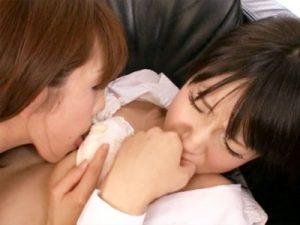 【JKクンニレズ動画】親友のママは真性ビアン…娘が居ないことを確認した母親は娘の友達をレイプww