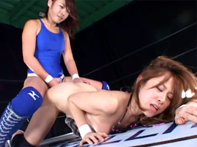 【キャットファイトレズ動画】リベンジマッチで挑んだ巨乳ギャルだったが敏感過ぎる身体でイカされ続けて惨敗ww