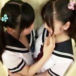 【ロリキスレズ動画】夏服制服にツインテールが似合う童顔な女子校生が親にも言えない秘密の関係…
