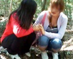 【潮吹きレズ動画】富士の樹海で自殺を考える素人女性を探し出し車に乗せこんで潮吹きさせる救命企画ww